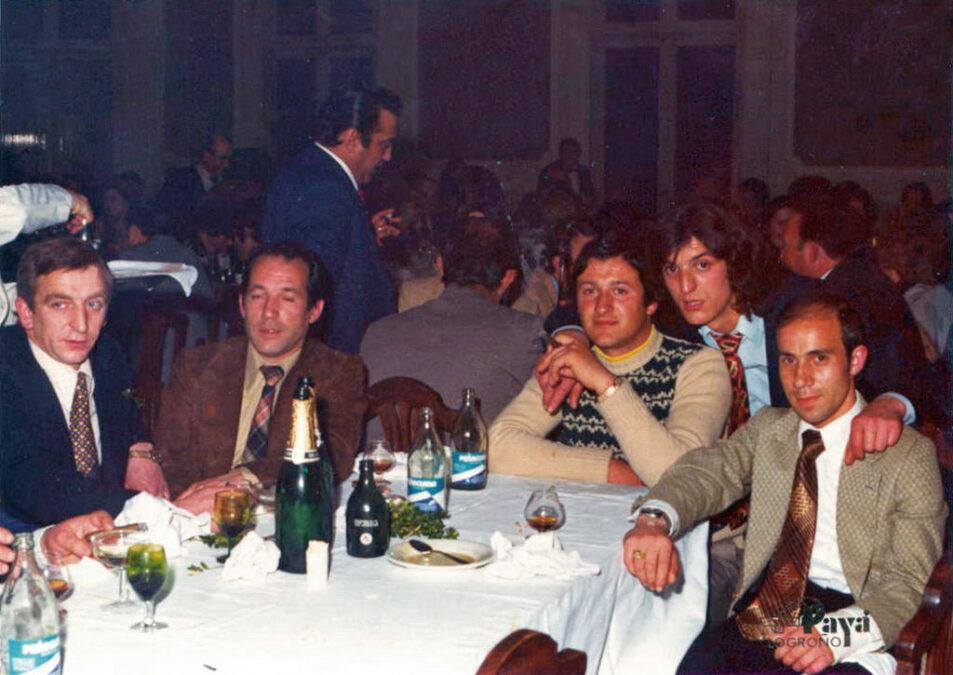 1974-75. Directiva Del CD Villegas En La Gala Del Deporte.