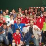 XIV Torneo Ciudad de Miranda. Benjamín 2004 del CD Villegas. Los campeones, con sus papás.