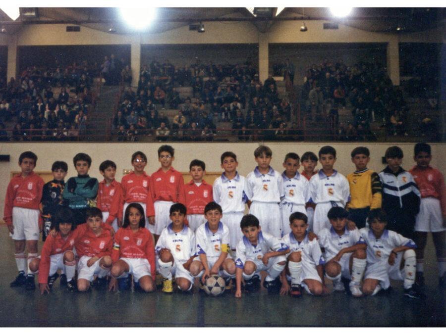 1998. Partido Entre El Villegas Y El Real Madrid.