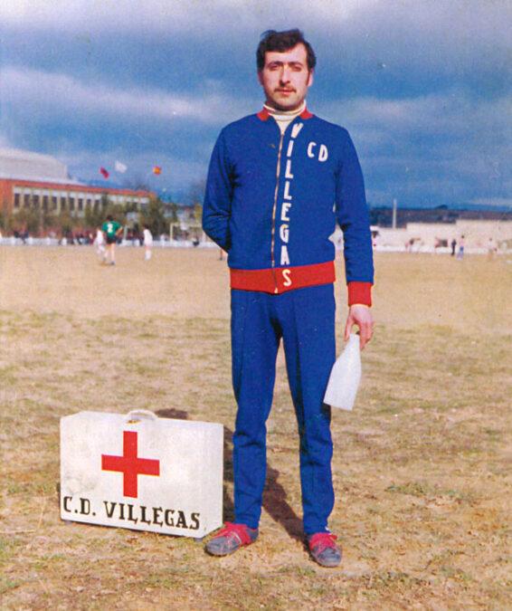 1975-76. Simón, Masajista Del CD Villegas.